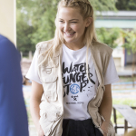 KATE HUDSON CANDID WEARING WATCH HUNGER STOP T-SHIRT